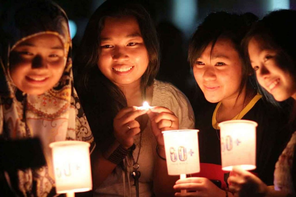 Earth hour girls