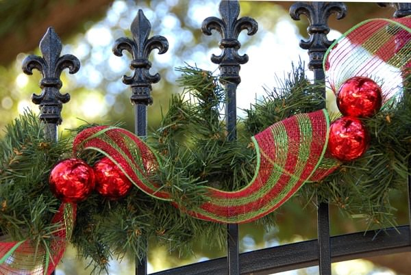 garden christmas decoration 2_mini - Outdoor Christmas Decorating Ideas Pictures