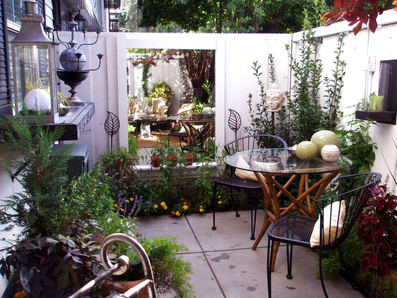 How to Make a Small Garden Look Bigger | 12 Optimization ... on Courtyard Patio Ideas id=70073