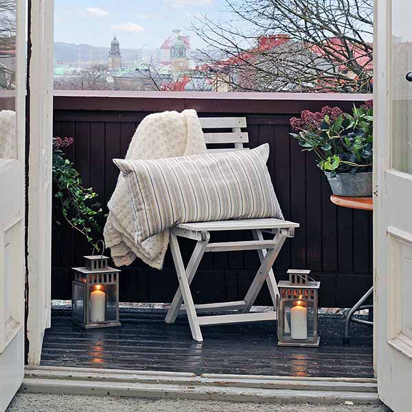 swedish-style-balcony-spring-decorating-ideas-11
