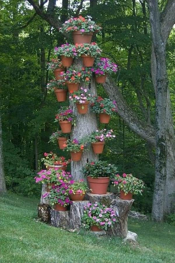 tree stump garden ideas (10)