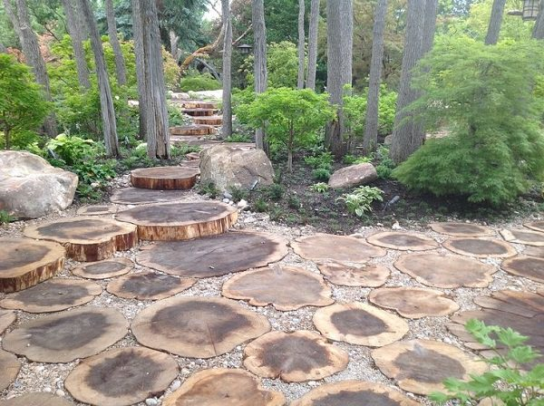 tree stump garden ideas (3)