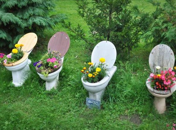 crazy-toilet-planter