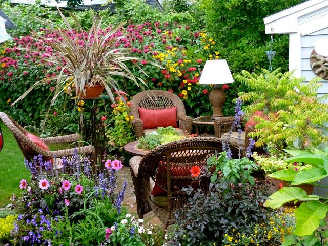 Garden-Ideas-for-Small-Space