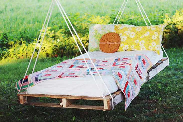 Pallet-Swing-Bed-The-Merrythought_mini