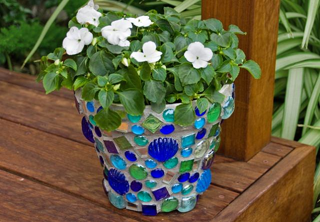 DIY Mosaic Pot