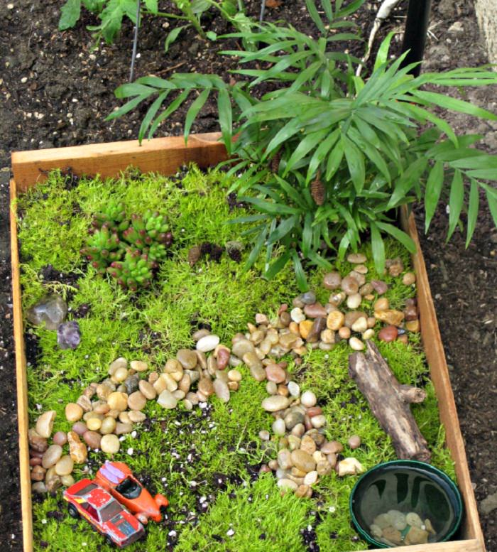 Fairy-Garden-in a crate