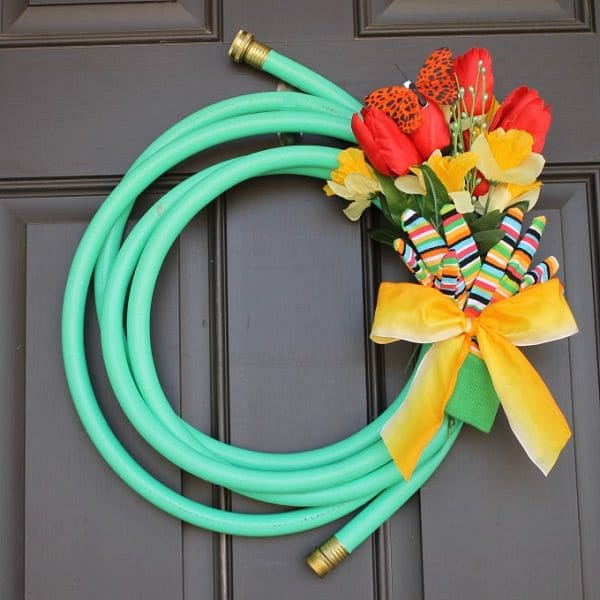 A-garden-hose-wreath