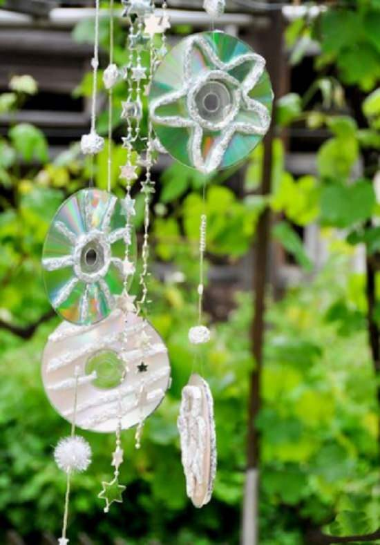 17 DIY Uses For Old CDs In Garden | Things To Make From CDs