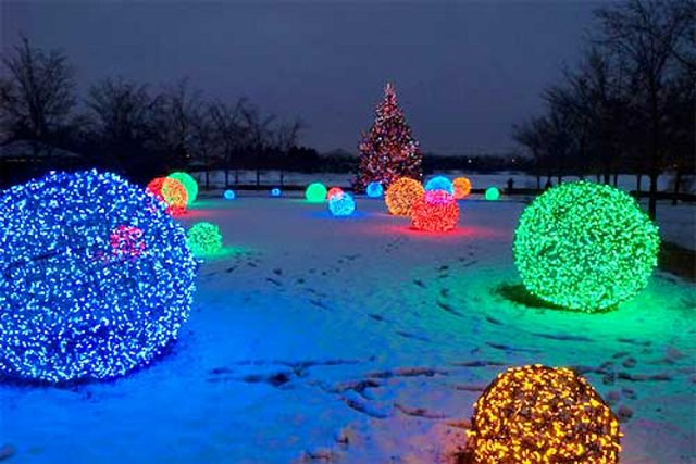 diy-christmas-light-balls