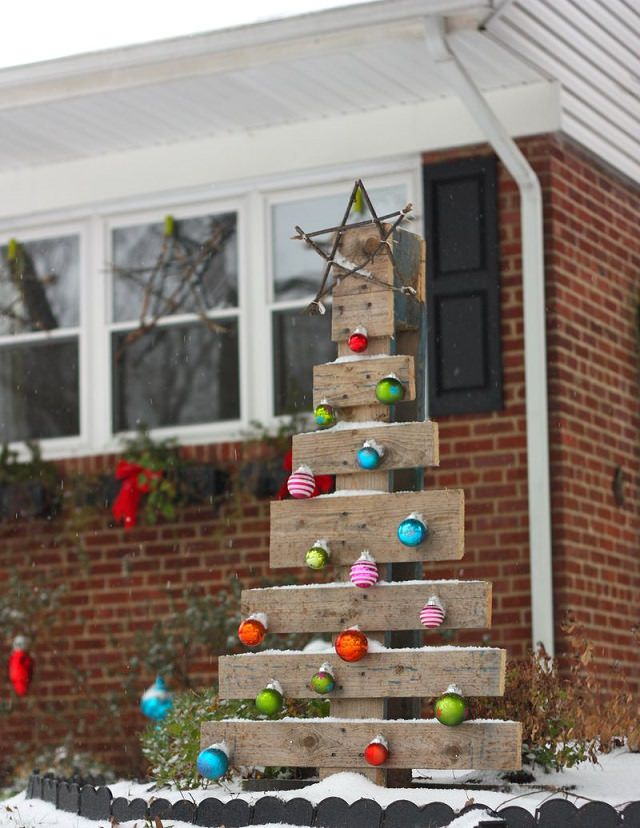 Diy Christmas Outdoor Decoration Ideas 17