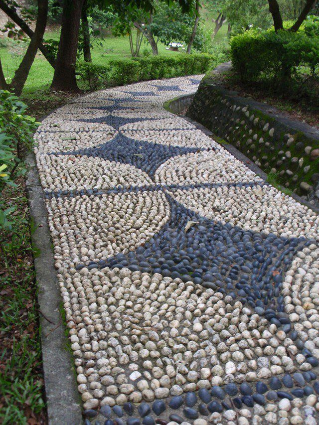 garden pebble uses (1)