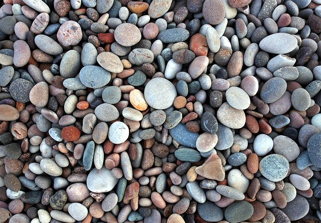 garden pebble uses (4)