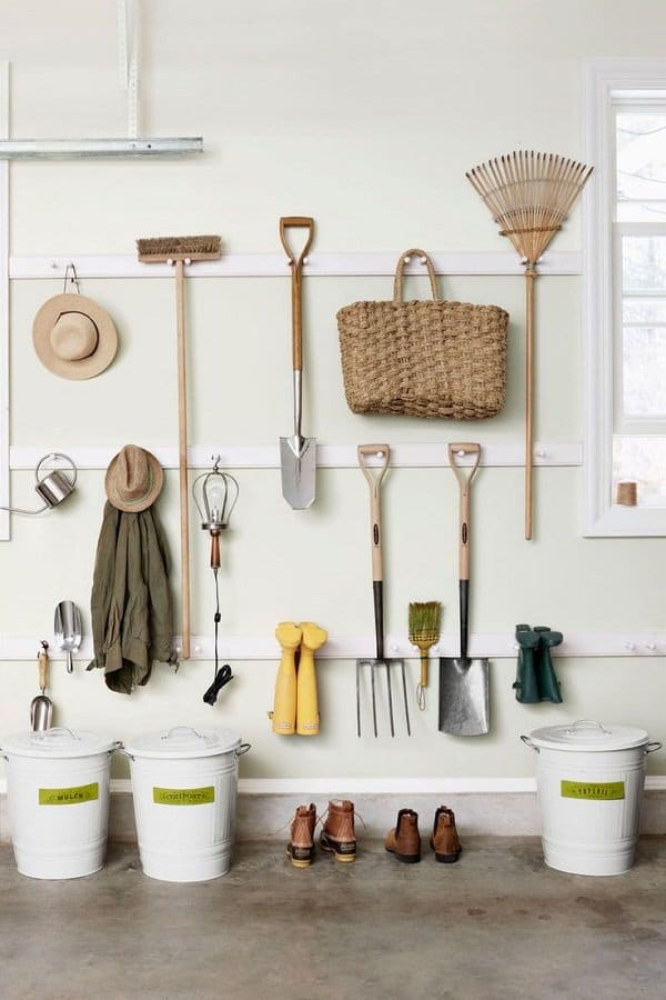 Hanging your gardening tools