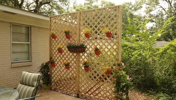 Privacy Wall made from Wood Lattice