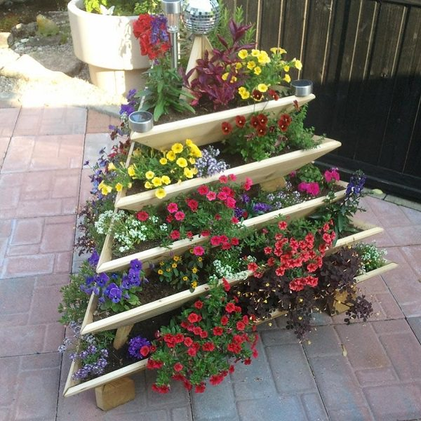 Diy Flower Gardening Ideas And Planter Projects: 14 Dramatic DIY Flower Tower Ideas