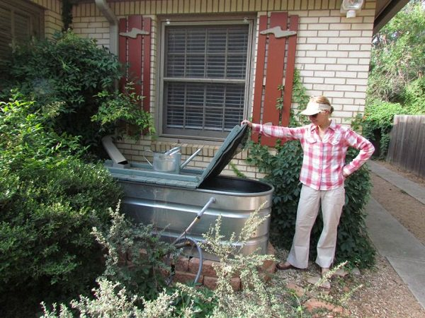 Attirant Use A Galvanized Stock Tank As A Rain Barrel In Your Backyard To Collect  Rainwater For Use In The Garden Or Laundry Room. Follow This Link For More  Details.