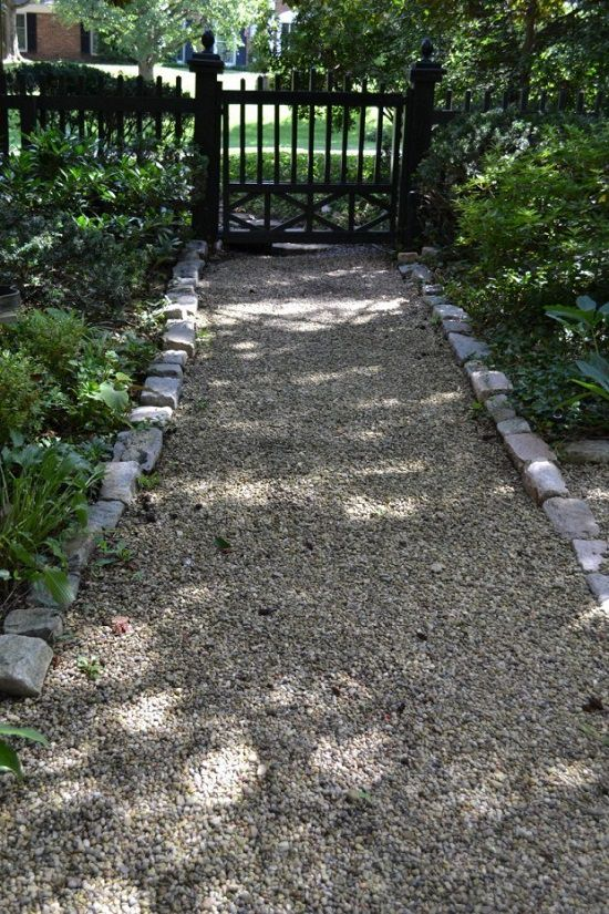 DIY Garden Walkway Ideas 5