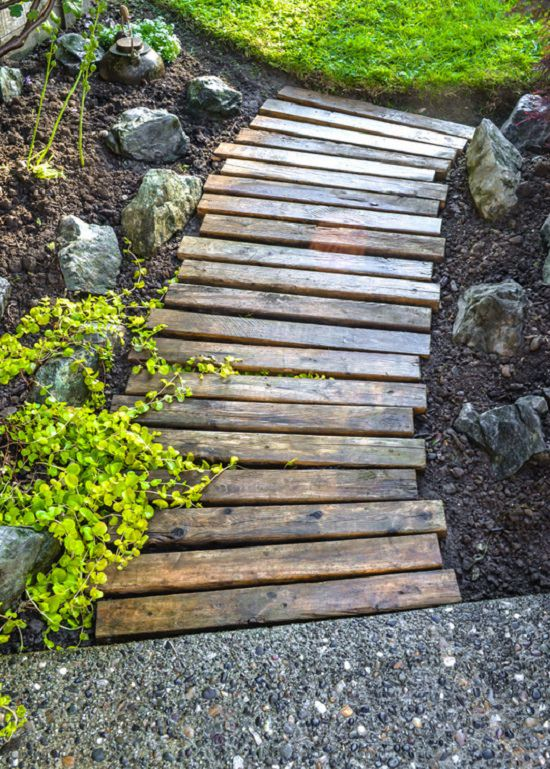 DIY Garden Walkway Ideas 2