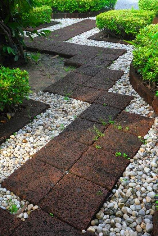 DIY Garden Walkway Ideas 18