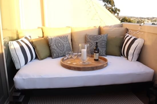Some amazing DIY Outdoor Bed Projects & Ideas