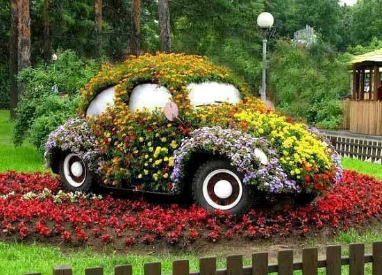 The best Old Car Garden Art on the internet