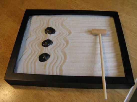13 DIY Mini Zen Garden Ideas For Desk | Balcony Garden Web Zen Mini Sand Gardens Designs on mini rock garden, diy zen garden sand, mini zen sand table, japanese rock garden sand,