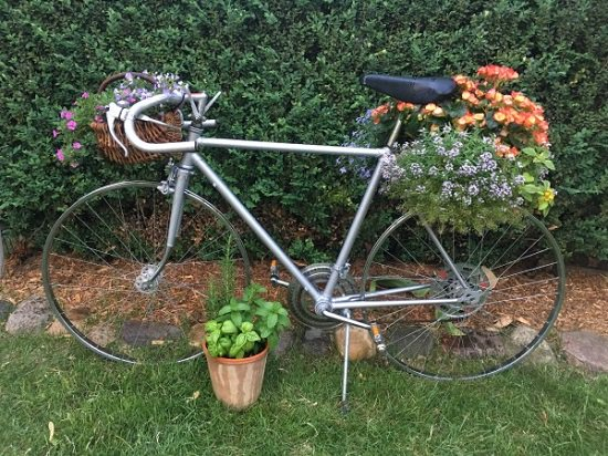 diy bicycle flower planter