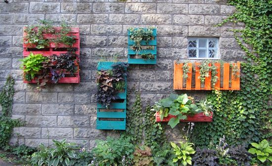 40 DIY Pallet Projects & Ideas for Gardeners