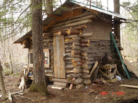 DIY Garden Log Cabin