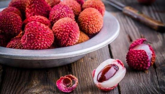 What Does Lychee Taste Like?