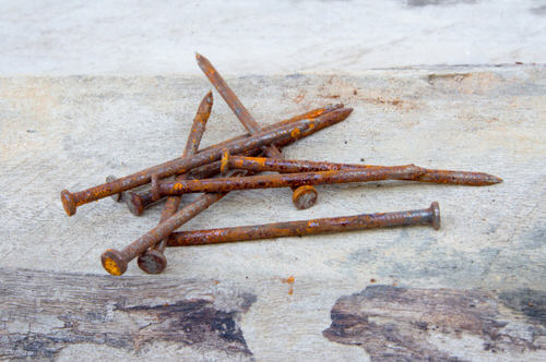 How Rusty Nails Can Save your Dying Plants