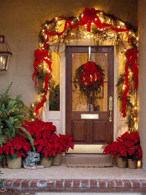 Ideas to Decorate your Home with Poinsettias 5