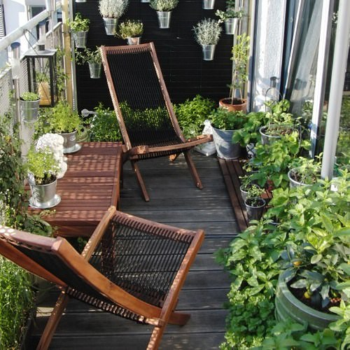 Create a Tropical Garden Oasis in a Balcony With These Ideas 5