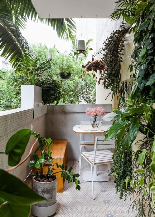 Create a Tropical Garden Oasis in a Balcony With These Ideas 6