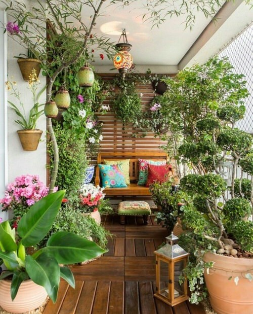 Create a Tropical Garden Oasis in a Balcony With These Ideas 3