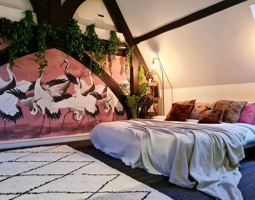 Stunning Attic Rooms with Plants Pictures 8