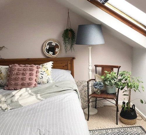 Stunning Attic Rooms with Plants Pictures 3