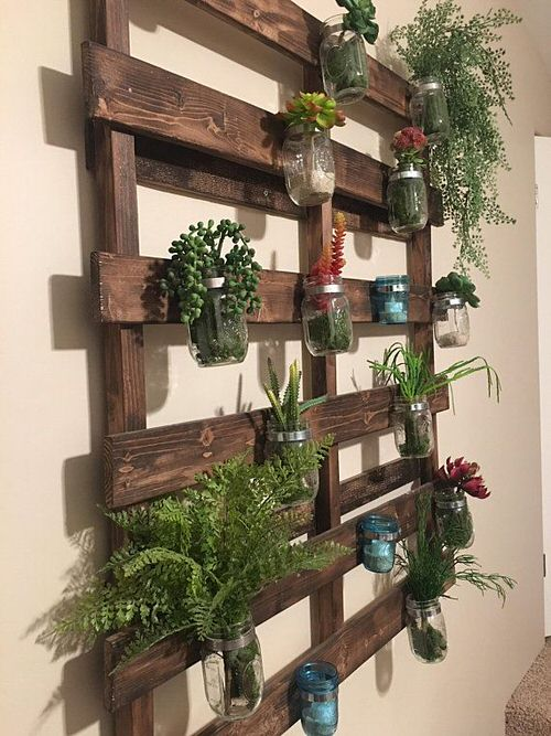Old Wooden Boards Used to Create Brilliant Vertical Gardens 6