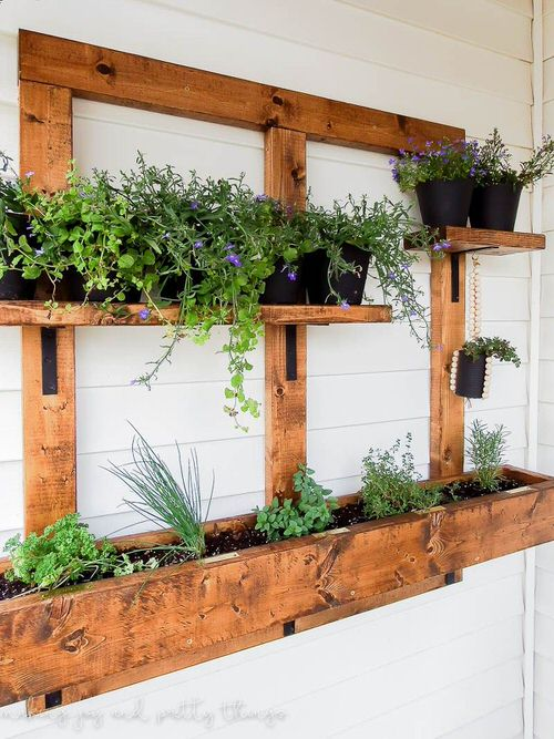 Old Wooden Boards Used to Create Brilliant Vertical Gardens 11