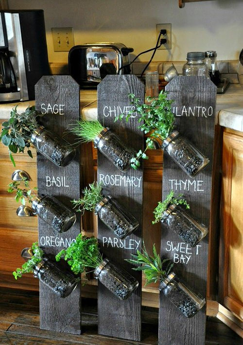 Old Wooden Boards Used to Create Brilliant Vertical Gardens 13