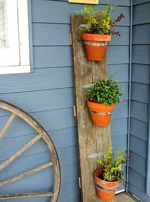Old Wooden Boards Used to Create Brilliant Vertical Gardens 4