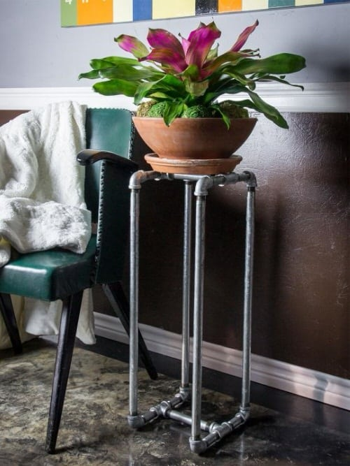 Industrial Garden Ideas from Used Items 555