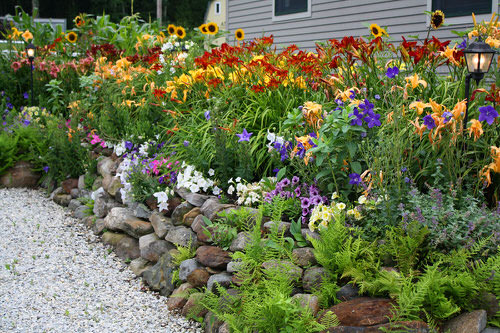 Amazing Flower Bed Ideas for Your Home Garden